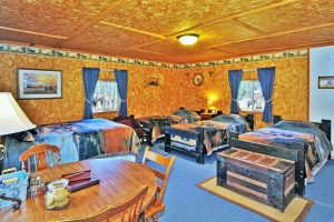 Cowboy room with four beds